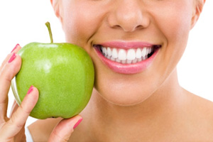 Healthy smile with porcelain veneers in NJ